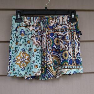 Pants - ⚫$10 SALE Boho Hippy Floral Shorts Small